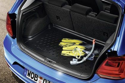VW Polo 6R Facelift Fünftürer Innenansicht Kofferraum statisch blau