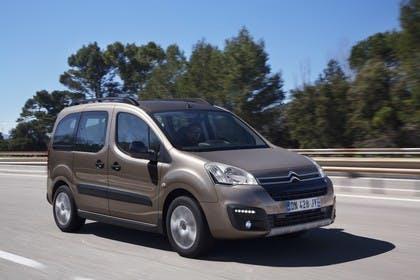 Citroën Berlingo Multispace 7 Aussenansicht Front schräg dynamisch braun