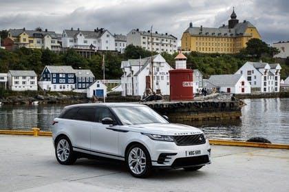 Land Rover Range Rover Velar Aussenansicht Front schräg statisch weiß