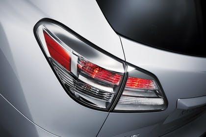 Lexus RX AL1 Studio Aussenansicht Detail Rückleuchte statisch silber