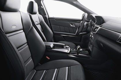 Mercedes E-Klasse T-Modell S212 Studio Innenansicht Beifahrerposition statisch schwarz