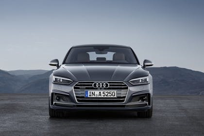 Audi A5 Sportback F5 Aussenansicht Front statisch grau