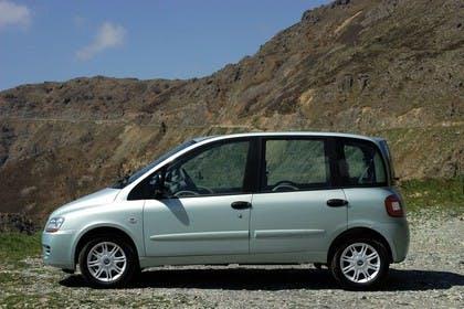 Fiat Multipla 186 Facelift Aussenansicht Seite statisch silber