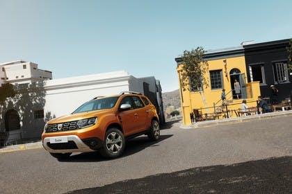 Dacia Duster SR Aussenansicht Front schräg statisch orange