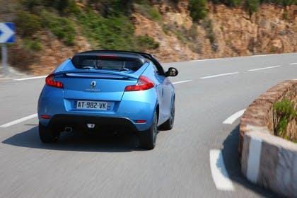 Renault Wind N Aussenansicht Heck schräg dynamisch blau