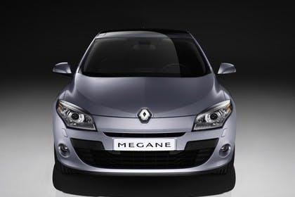 Renault Mégane Z Aussenansicht Front statisch Studio silber