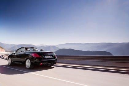 Peugeot 308 CC Aussenansicht Heck dynamisch schwarz