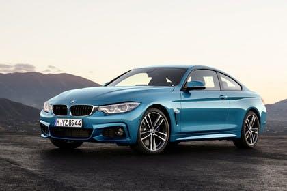 BMW 4er Coupe F32 Aussenansicht Front schräg statisch blau
