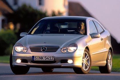 Mercedes C-Klasse Sportcoupe W203 Aussenansicht Front dynamisch silber