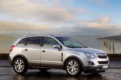 Opel Antara L-A Facelift Aussenansicht Seite schräg statisch silber