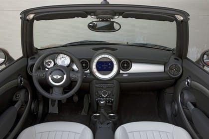 Mini Cabriolet R57 Studio Innenansicht Front statisch schwarz weiß