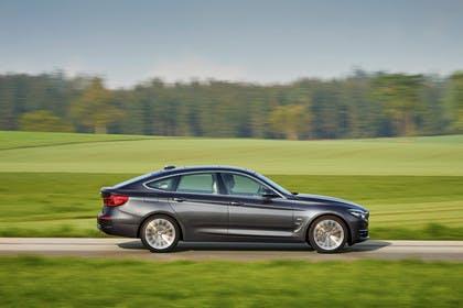 BMW 3er GT F34 Aussenansicht Seite dynamisch grau