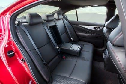 Infiniti Q50 Innenansicht statisch Rücksitze