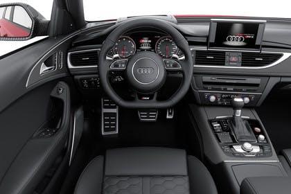 Audi RS6 Avant C7 Innenansicht Fahrerposition Studio statisch schwarz