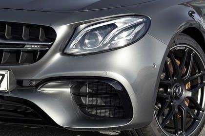 Mercedes-AMG E 63 W213/S231 Aussenansicht Front Detail Scheinwerfer
