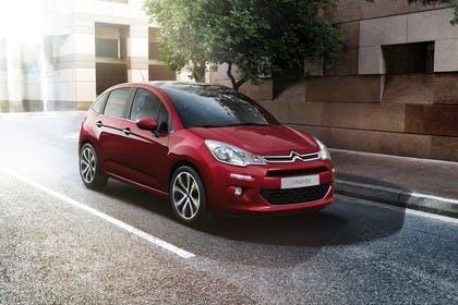Citroën C3 S Aussenansicht Front schräg statisch rot