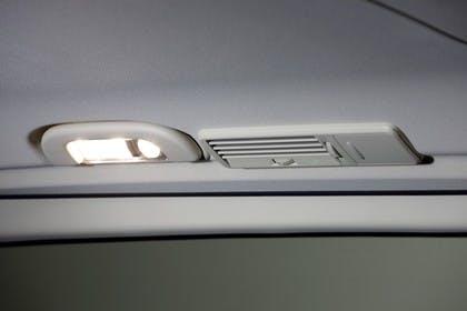 Mercedes-Benz Viano 639 Innenansicht statisch Studio Detail Innenbeleuchtung und Klimalüfter hinten