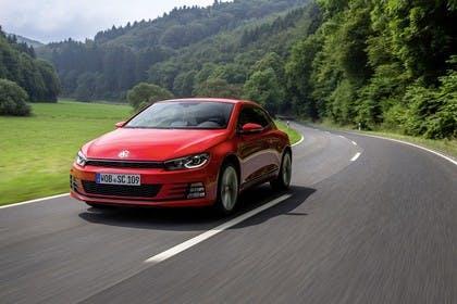 VW Scirocco Typ 13 Aussenansicht Front schräg dynamisch rot