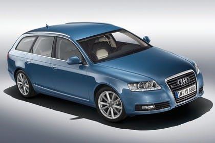 Audi A6 4F Avant Facelift Aussenansicht Front schräg erhöht Studio statisch blau