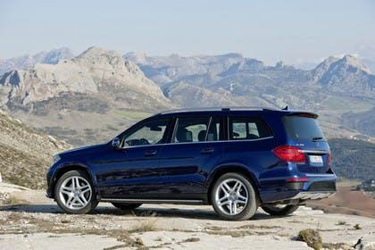 Mercedes-Benz GLS X166 Aussenansicht Heck schräg statisch blau