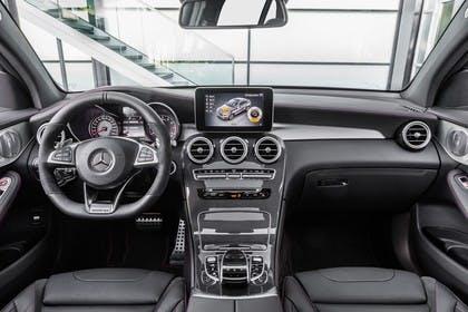 Mercedes GLC Coupe C253 Innenansicht zentral statisch schwarz
