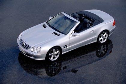 Mercedes SL R230 Aussenansicht Seite schräg statisch silber