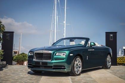 Rolls-Royce Dawn Aussenansicht Front schräg statisch grün