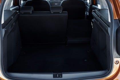 Dacia Duster SR Innenansicht statisch Kofferraum Rücksitze 1/3 umgeklappt
