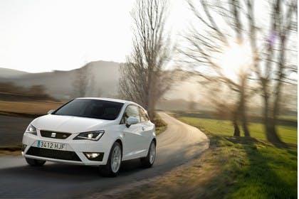 SEAT Ibiza SC 6P Front schräg dynamisch weiss