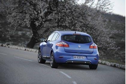 Renault Mégane Z Aussenansicht Heck schräg dynamisch blau