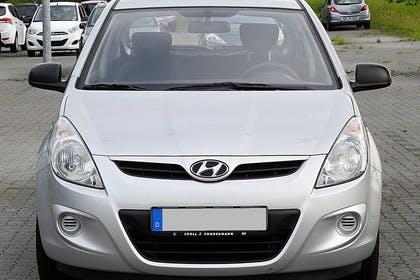 Hyundai i20 Aussenansicht Front statisch silber