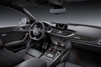 Audi RS6 Avant C7 Innenansicht Beifahrerposition Studio statisch schwarz