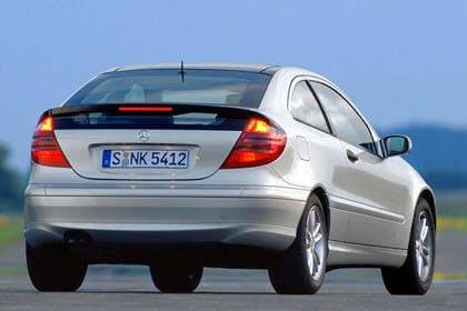 Mercedes C-Klasse Sportcoupe W203 Aussenansicht Heck dynamisch silber