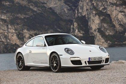 Porsche 911 Carrera GTS 997.2 Aussenansicht Front schräg statisch weiss