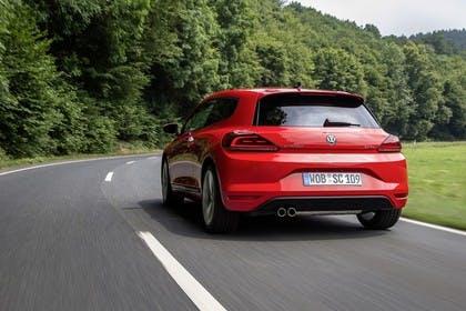 VW Scirocco Typ 13 Aussenansicht Heck dynamisch rot