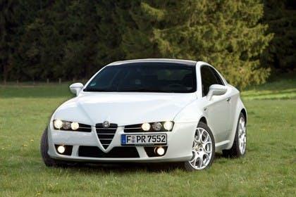 Alfa Romeo Brera 939 Aussenansicht Front schräg statisch weiss