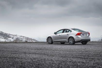 Volvo S60 F Aussenansicht Seite schräg statisch silber