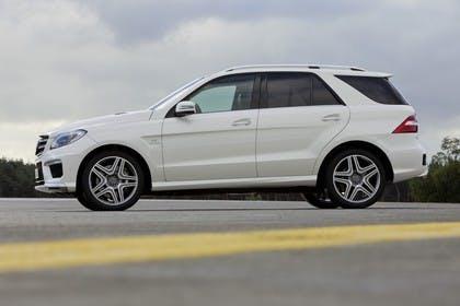 Mercedes M-Klasse W166 Aussenansicht Seite statisch weiß