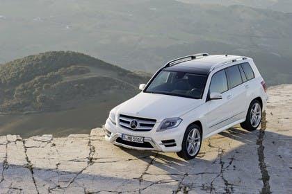 Mercedes Benz Aussenansicht Front schräg statisch weiß