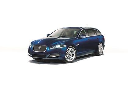 Jaguar XF Sportbrake X250 Studio Aussenansicht Front schräg statisch blau