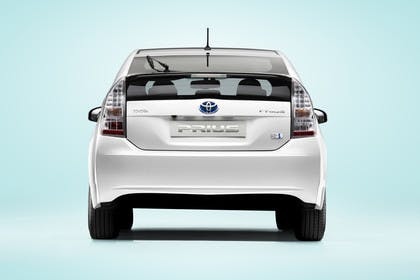 Toyota Prius ZVW30 Aussenansicht Heck statisch Studio weiss