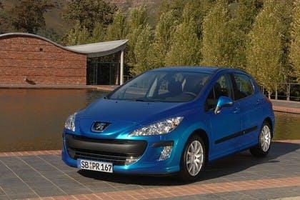 Peugeot 308 Fünftürer Aussenansicht Front schräg statisch blau
