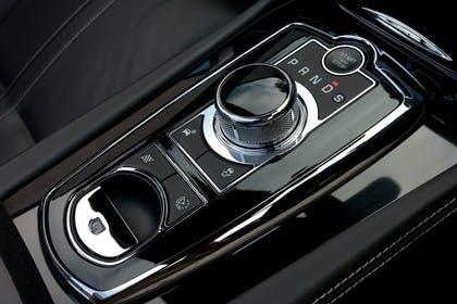 Jaguar XK Cabriolet X150 Innenansicht Detail Getriebewahlhebel statisch schwarz