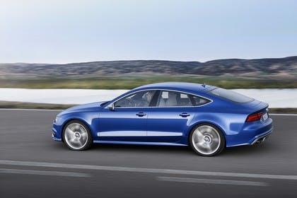 Audi S7 4G Aussenansicht Seite schräg dynamisch blau