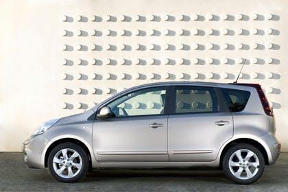 Nissan Note E11 Aussenansicht Seite statisch grau braun