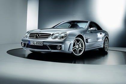 Mercedes SL R230 Studio Aussenansicht Front schräg statisch silber