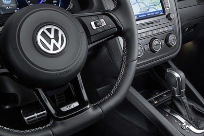 VW Scirocco Typ 13 Innenansicht Detail Lenkrad und Mittelkonsole statisch schwarz