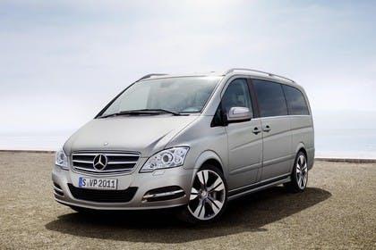 Mercedes-Benz Viano 639 Aussenansicht Front schräg statisch beige