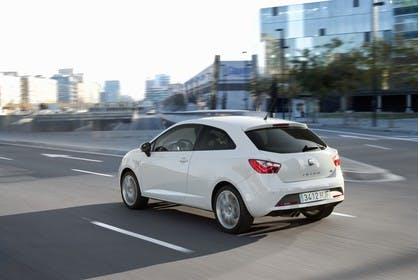 SEAT Ibiza SC 6P Heck schräg dynamisch weiss