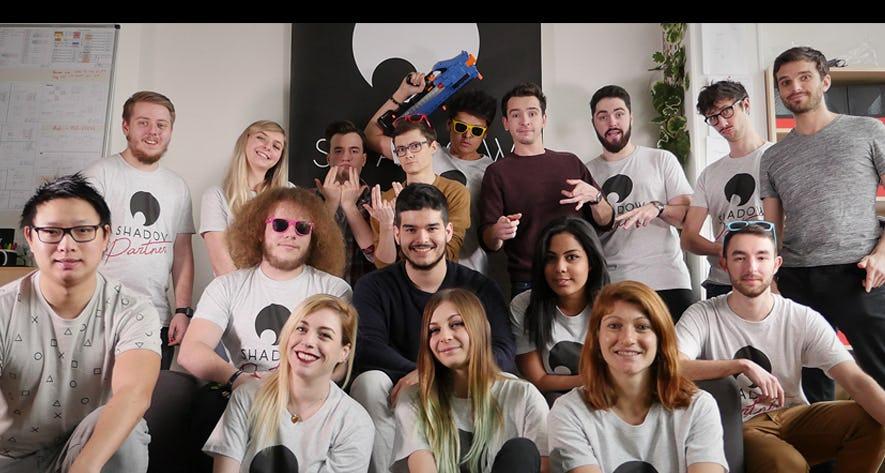Les talents du programme RED by Shadow, une équipe de vidéastes et streamers sur Twitch et YouTube